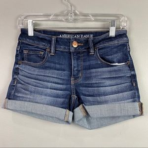 American Eagle Rolled Hem Jean Shorts Size 4